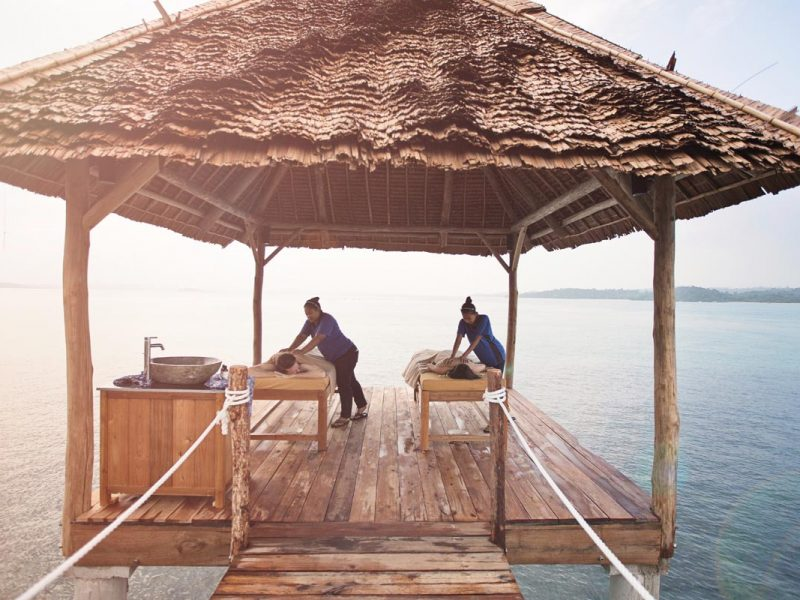 telunas private island spa 43212288304 o