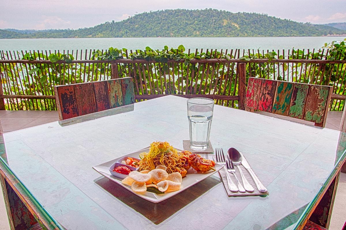 nite dinner telunas-private-island_44957768594_o